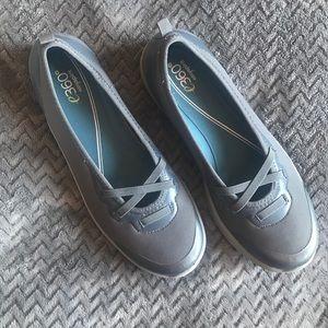 Easy spirit shoes. EUC. Size 10.